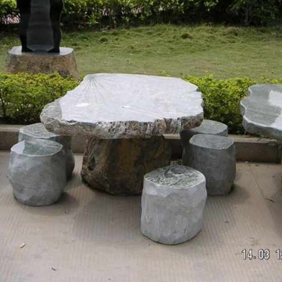 banc et tables en granit